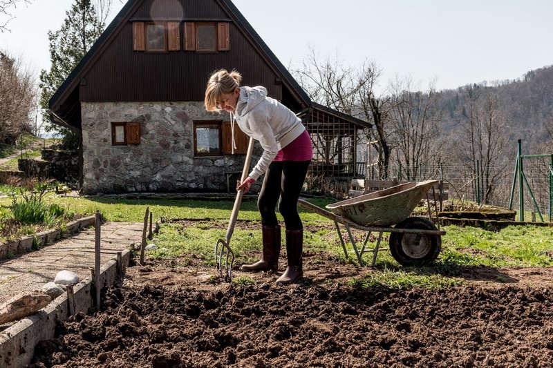 Как правильно вскапывать огород